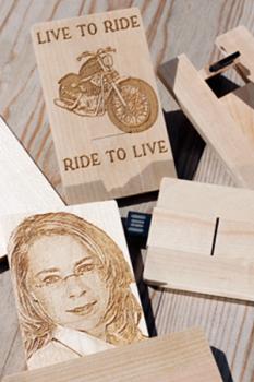 Usb Stick Holz Visitenkarte Mit Foto Bei Photo Laser
